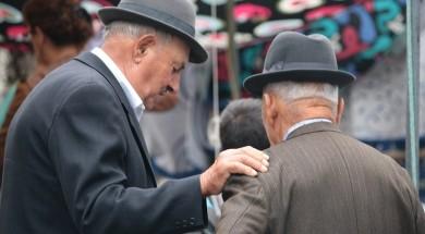 Starsi mężczyzni