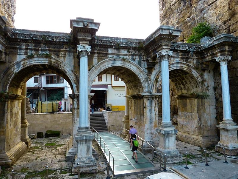 hadrians-gate-65256_1280
