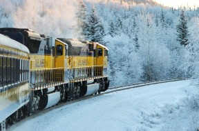 train-668964_1280
