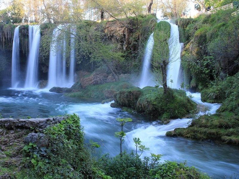 waterfall-523544_1280