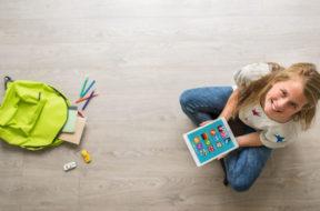 Szkoły chętniej korzystają z multimedialnych pomocy naukowych