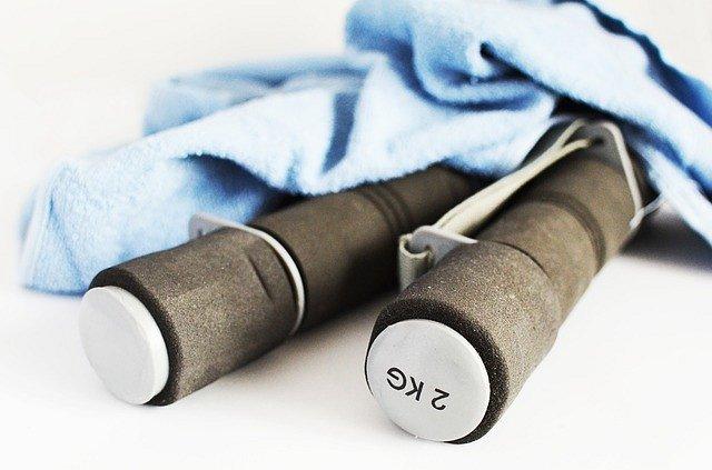 Akcesoria fitness, które pomogą Ci ćwiczyć w domu